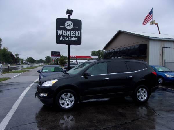 Photo 2010 CHEVY TRAVERSE LT (AWD) (WISNESKI AUTO) - $6,495 (Green Bay)