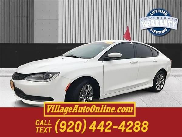 Photo 2015 Chrysler 200 S - $11990 (Green Bay)