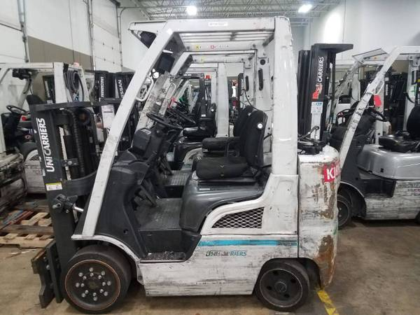 Photo 2015 Nissan Forklift Truckers Mast (Green Bay)