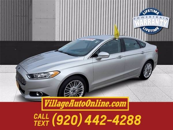 Photo 2016 Ford Fusion SE - $12,990 (Green Bay)