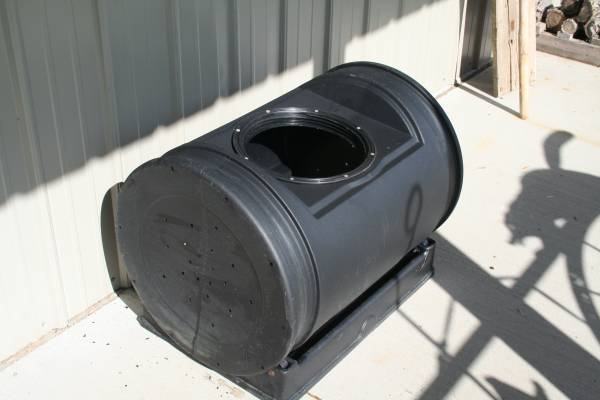Photo Compost tumbler - $45 (Pound Wi)