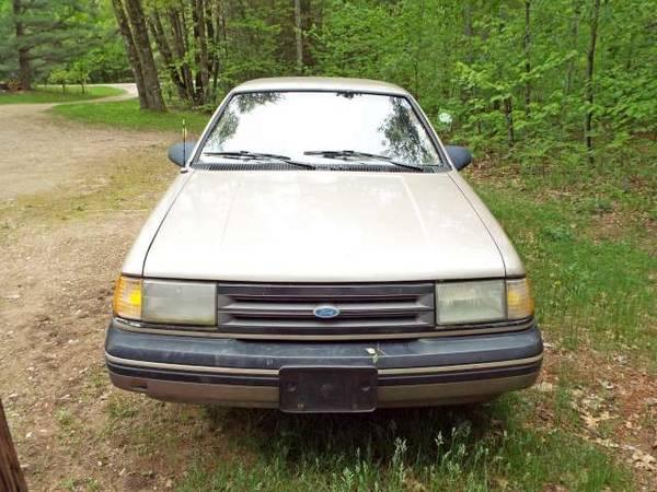 Photo Ford Tempo - $650 (Suring)