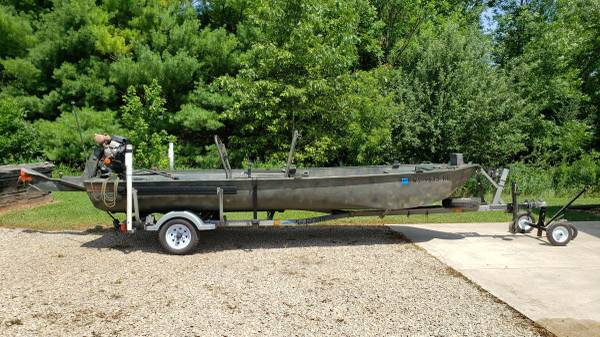 Photo Go Devil Surface Drive Duck Boat Blind and Motor - $13,500 (Dale, WI)