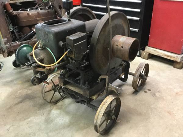 Photo Hit and Miss Motor 2 12 HP Alpha De Laval - $650 (Suamico)
