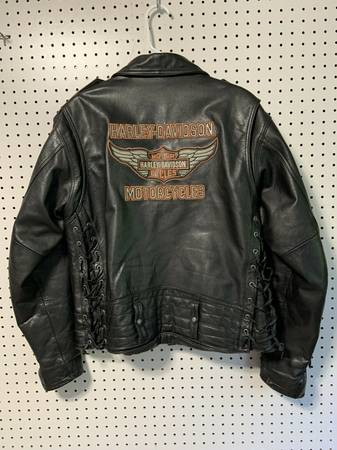 Photo Mens Harley-Davidson genuine leather riding jacket - Medium - $150 (Luxemburg)
