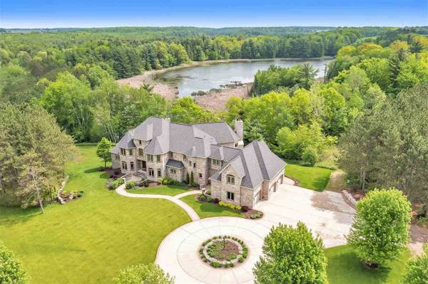 Photo PRICE CUT 9079 Gray Lake Rd-Enjoy the privacy of country living (Gillett)