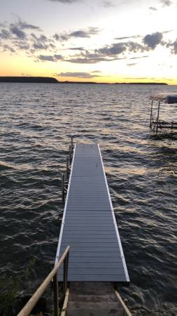 Photo RYCO ALUMINUM DOCK 3239 WITH ADJUSTABLE HEIGHT LEGS - $4,500 (Suamico)
