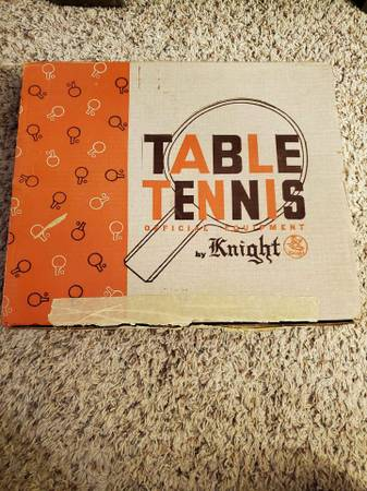 Photo Vintage Knight Table Tennis Game - $15