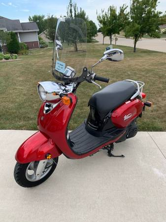 Photo Yamaha Vino 125 - $1,600 (Green Bay)