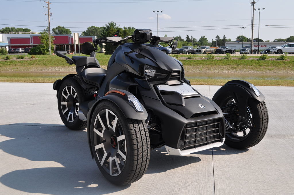 Photo Used 2021 Can-Am Trike Motorcycle  $13487