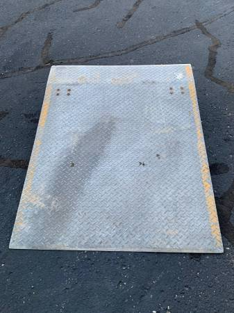 Photo aluminum dock leveler - $300 (Green Bay, West)
