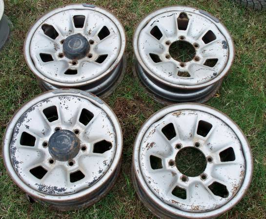 Photo 1986 TOYOTA 4X4 Factory Steel Wheels - $75 (Seagrove,NC)