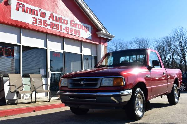 Photo 1995 FORD RANGER XLT MANUAL TRANSMISSION - $3500 (GREENSBORO 8540 BUSINESS AND EUGENE)
