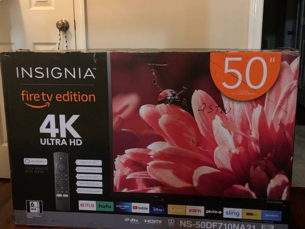 Photo 50 inch Insignia TV - $220 (Greensboro)