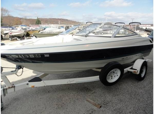 Photo Awesome Bayliner 95 - $1000 (High Point)