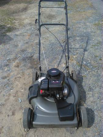 Photo Craftsman self propelled lawn mower - $100 (Randleman NC)
