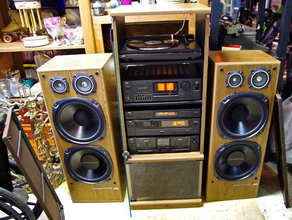 Photo Massive JVC Audio Component System w AMP 4 12quot Subs Turntable CD Chgr - $500 (Lexington NC)