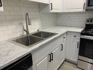Photo NEWLY RENOVATED - 990 Sq.Ft. 1 Bedroom - LIMITED TIME SPECIAL (101 Shore Lake Drive Greensboro, NC)