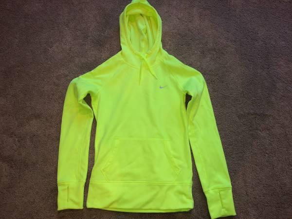 Photo Nike Womens Thermal Fit Highlighter Yellow hoodiesweatshirt Nike XS - $10 (N. Greensboro)