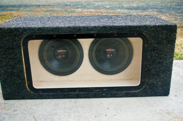 Photo Old School Terminator (Precision Power) XS Car Subs Plexi BandPass Box - $100 (Lexington NC)