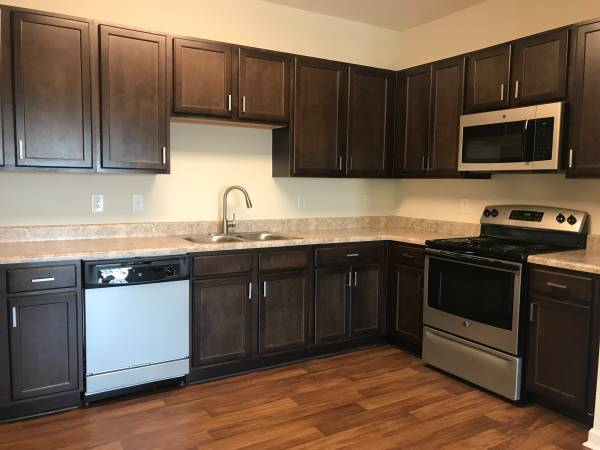 Photo RENOVATED ONE BD ONE BATH READY NOW ALL NEW INSIDE CALL TODAY (greensboro)