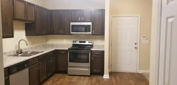 Photo RENOVATED ONE BED ONE BATH READY NOW 3RD FLOOR CALL TODAY FOR DEAL