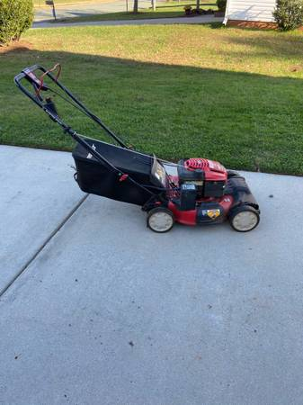 Photo Troy-Bilt Electric Start Self-Propelled Mower - $120 (Gibsonville)