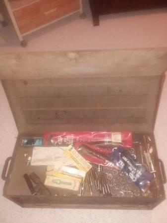 Photo Vintage craftsman toolbox and tools - $100 (Trinity)