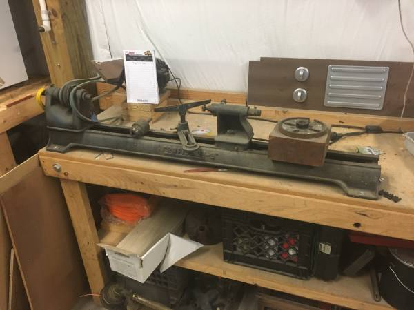 Photo Vintage craftsman wood lathe - $45