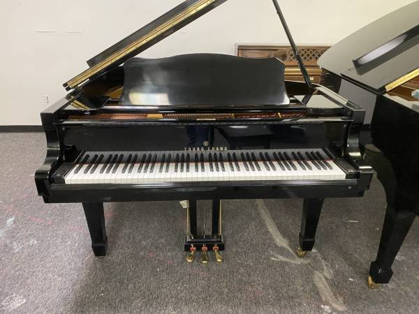 Photo Young Chang BABY GRAND PIANO - EBONY POLISH - FREE IN-HOME DELIVERY - $3,950 (Atlanta  Free Delivery)