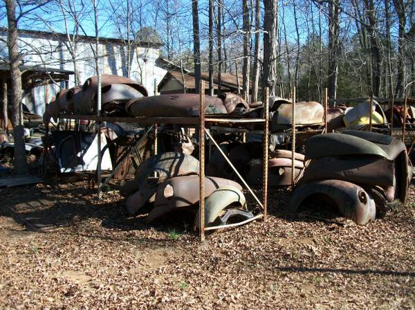 Photo 1939 1940 Ford parts - $100 (Clinton SC)