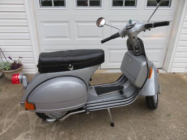 Photo 1980 P125X Vespa Near New Showroom - $4,500 (Eastside Greenville)