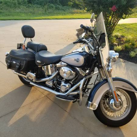 Photo 2002 Heritage Softail Classis - $6000 (Southern Greenville County)