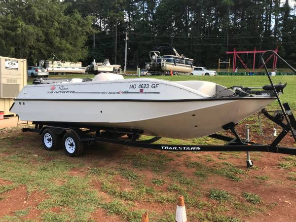 Photo 2004 2139 Sun Tracker Party Deck all aluminum deck boat wtrailer - $10,495
