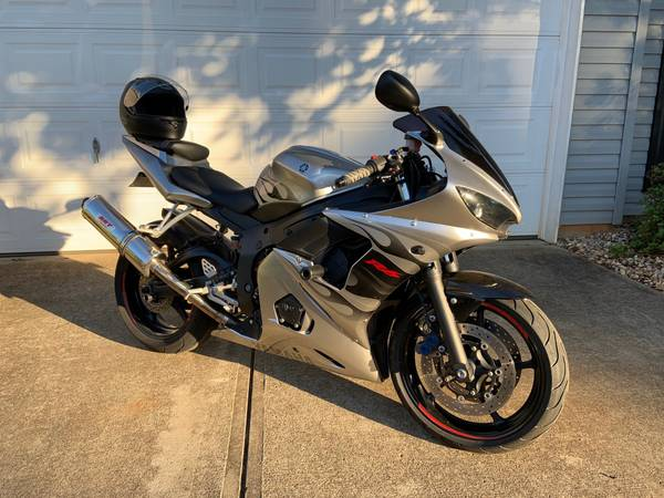Photo 2004 Yamaha YZF-R6 - $3,800 (Duncan)