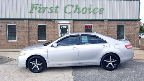 Photo 2011 TOYOTA CAMRY EXTRA CLEAN - $6995 (Greenville)