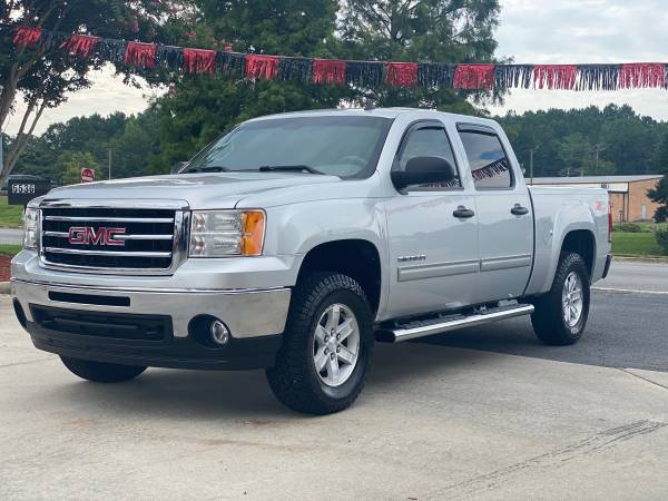 Photo 2013 GMC Sierra SLT 4x4 new tires Clean title southern truck - $18,900 (Easley)