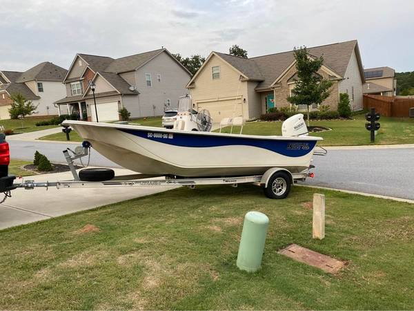 Photo 2017 Carolina Skiff 198 DLV - $22,000 (Greenville)