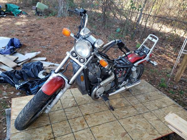 Photo 85 honda shadow - $600