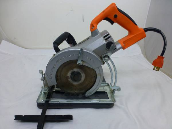 Photo Chicago Electric Powertool 7 14quot WORM GEAR CIRCULAR SAW - 13 AMP  90 - $50 (Greer)