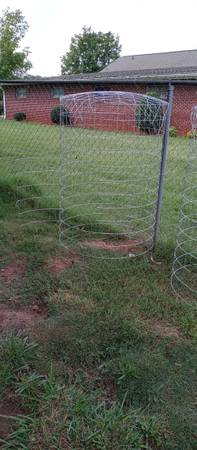 Photo Chicken gamefowl rooster cages - $50 (Anderson)