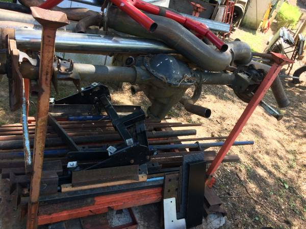 Photo Ford Mustang Rear Axle - $200 (Spartanburg)