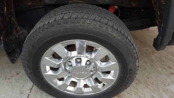 Photo Goodyear Wrangler tires 265 60 R20 - $100 (Travelers Rest)