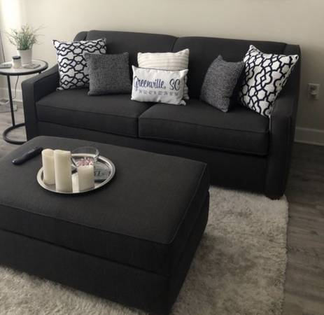 Photo Havertys Queen Sofa Bed with storage ottoman - $600 (Boiling Springs)