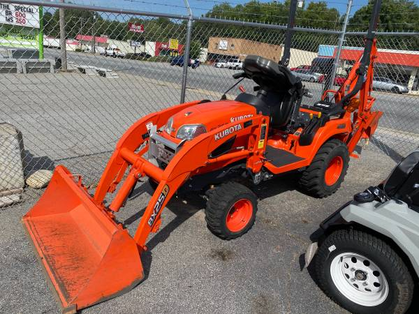 Photo KUBOTA BX25D 4X4 WLOADER AND BACKHOE - $15,900 (EASLEY SC)
