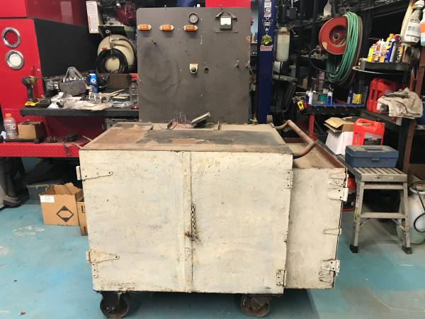 Photo Large Heavy Duty Toolbox on Casters - $100 (Spartanburg)