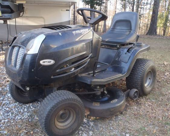 Photo Murray 42quot Riding Mower - $75