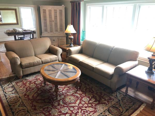Photo SOFA COUCH SET Olive Green Burlap Loveseat Pair Living Room Furniture - $450 (Greenville)