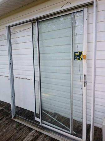 Photo Sliding Glass Doors and Frame - $100 (Chesnee)