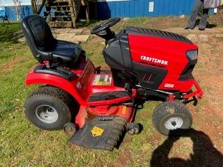 Photo Slightly used Craftsman T240 Lawn Mower - $1500 (Chesnee)